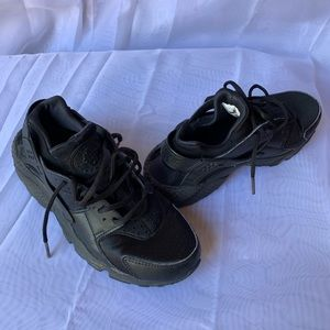 Nike Huarache Run black Shoes Size 6